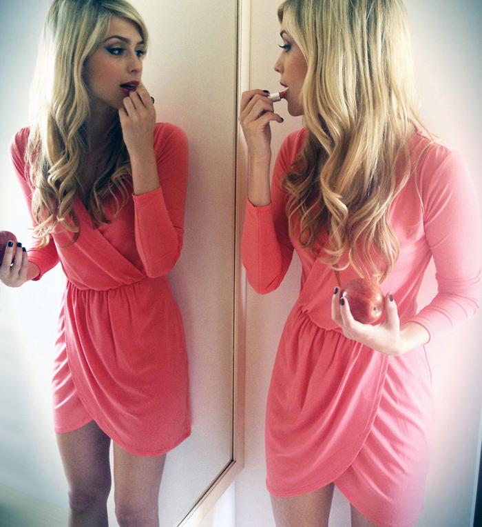 um sonhozinho esse vestido rosa drapeado!