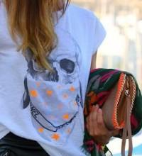 T-shirt presa no ladinho