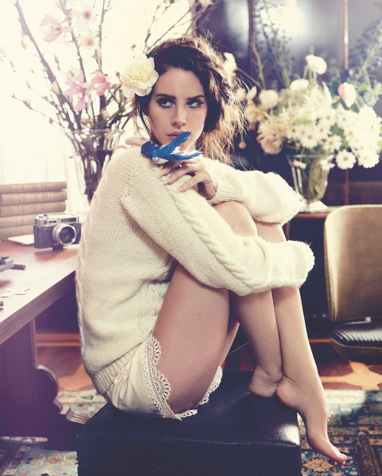 lana-del-rey-covers-vogue-australia-october-2012-03