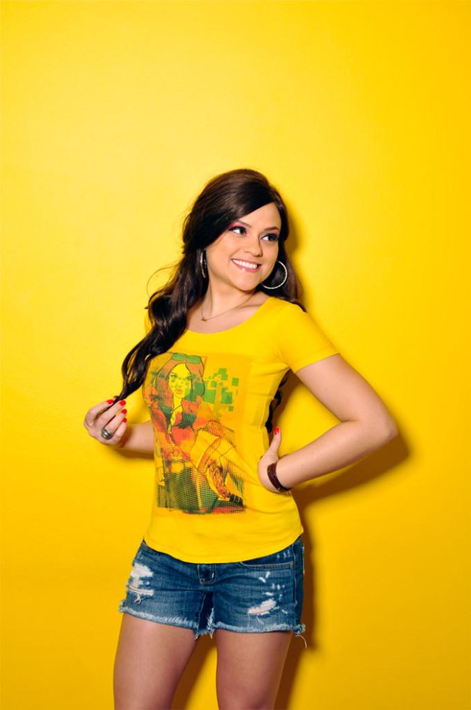 moda-amarelo-camiseta-movimento-31-sophia-abrahão