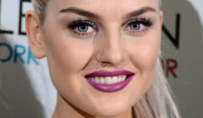 perrie-edwards-lipstick